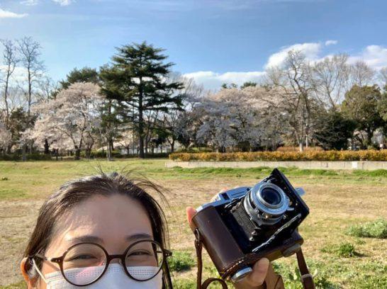 張り切って写真機で花見