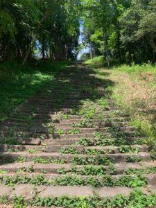 亀岡八幡宮 階段の会談